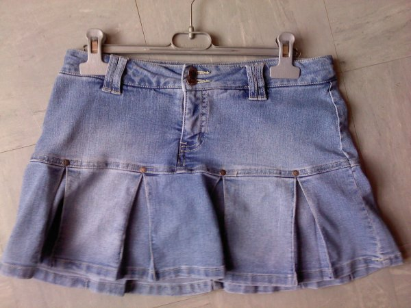 Jupe-short en jean (taille 14 ans)