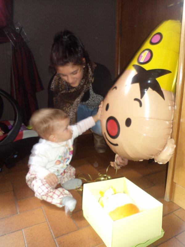 Gaby et le ballon offert par Manon....