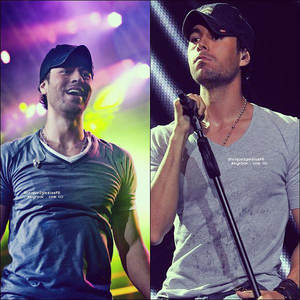""". Vendredi 3 juin : Enrique performe """"Tonight"""" et """"I like it"""" dans le cadre des 40 primavera pop 2011. ."""