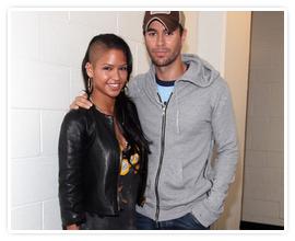 . Samedi 24 Septembre - Enrique performant à Newark aux USA dans le cadre de sa tournée américaine. .