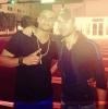 23 AVRIL 2013 - Enrique posant avec le chanteur Mohombi. Les deux chanteurs ce sont croisé dans Miami.