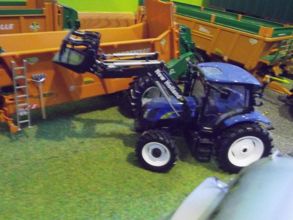 NEW HOLLAND T-6020 avec chargeur