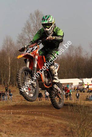premier Cross en junior mx2 :)