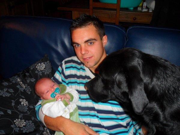 moi , matteo ( mon fieul ) et arthure ( mon chien ) :)
