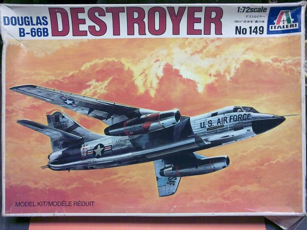 B66 DESTROYER 1/72 001
