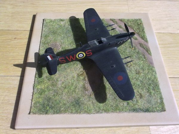 HURRICANE CHASSE DE NUIT RAF 1/72 001