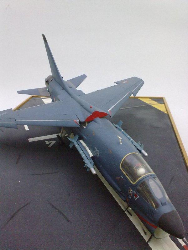 F8 CRUSADER GILLES 01