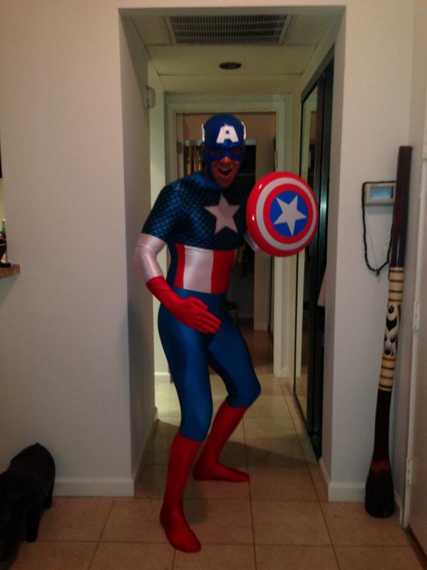 2 Novembre 2013 : Mark à Halloween + Tweets