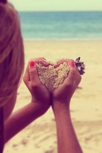 """""""La vie n'a qu'un seul début et qu'une seule fin. Entre les deux, il y a plein de possibilités et je vous aime trop pour vous laisser les gâcher."""""""