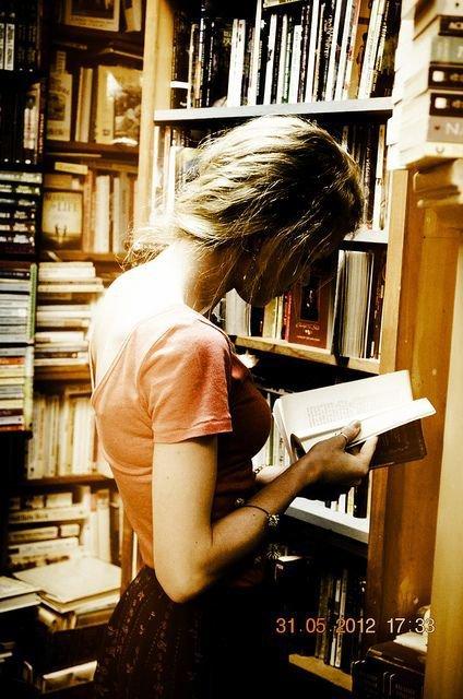 Quand je lis un livre, je passe par une infinité d'émotions de page en page et ça, c'est vraiment magique!
