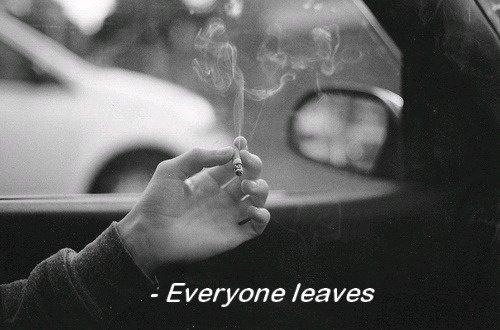 """""""On n'aime qu'une fois. Et la seule fois où on aime on l'ignore puisqu'on le découvre"""""""