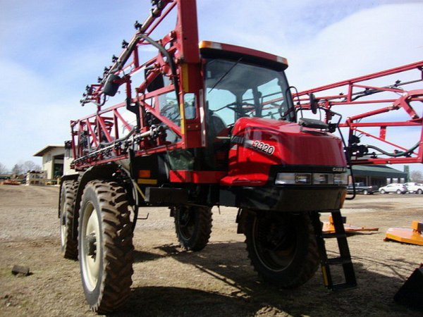 Automoteur Case ih 3320