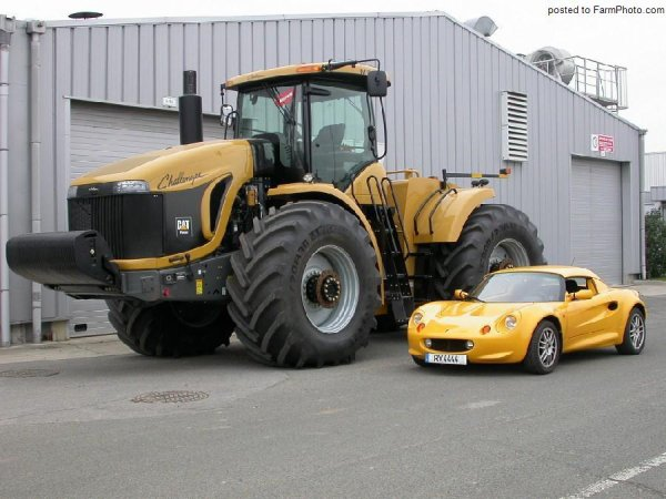 Cat' Challenger MT900B Vs Lotus