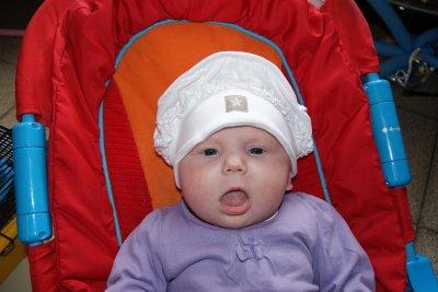 maman arrete avec le chapeau j aime pas sa lol