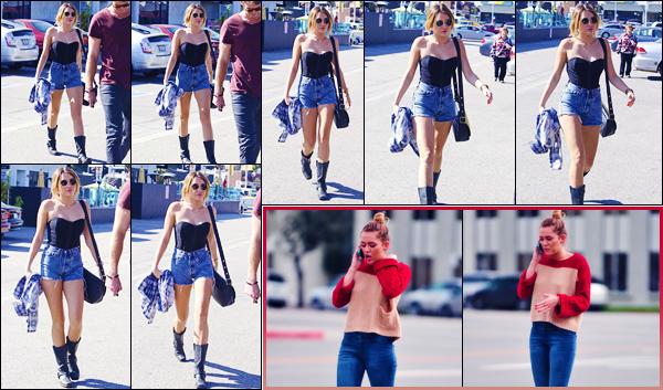 -03/02/2012- ─ Miley Cyrus a été photographiée, alors, qu'elle se promenait dans les rues dans la ville, dans Los Angeles !La belle chanteuse était en compagnie de Liam Hemswort ! Trois jours après, elle a été vue dans Toluca Lake ! Concernant ses tenues, ce sont des tops !