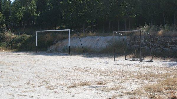 O campo da bola abandonado !!!!!!!!!!