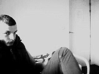 """je fais partie de c'est jeune qui ecrive pour d""""crire leur soucis sache que tes loin de connaitre ma vie c'est la haine qui m'anime c'est les louja qui m'abime   """"Mister S"""""""