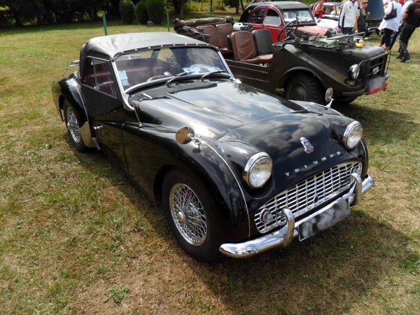 6059. triumph tr3 cabriolet