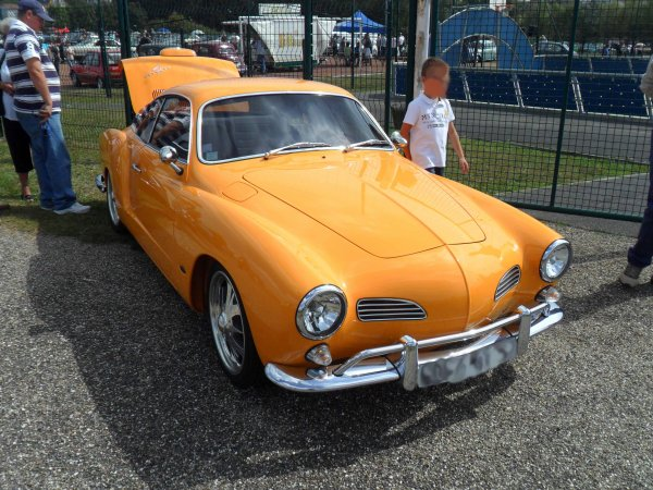 6069. vw karmann ghia