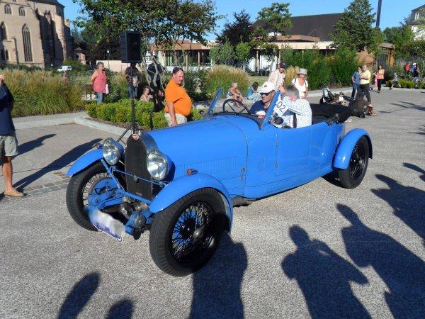 6112. bugatti cabriolet
