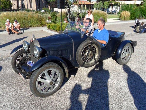 6113. bugatti cabriolet