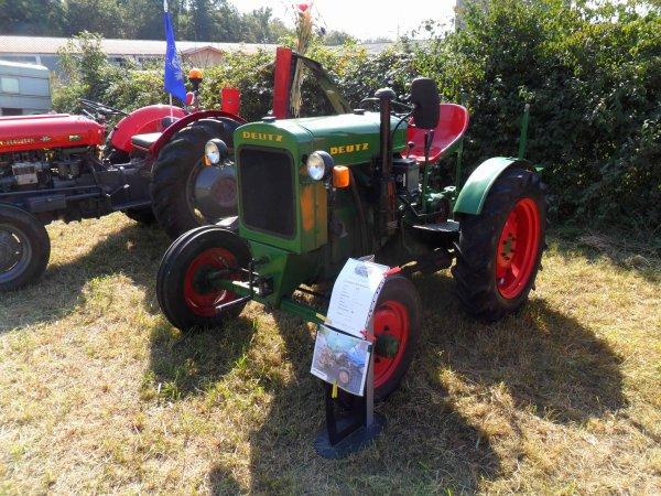 6138. tracteur Deutz