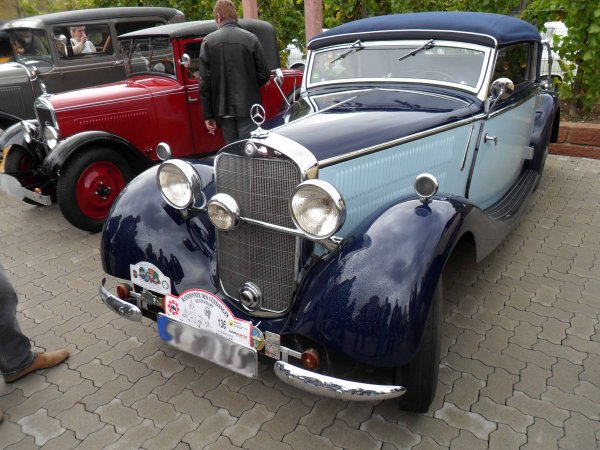 6199. mercedes cabriolet