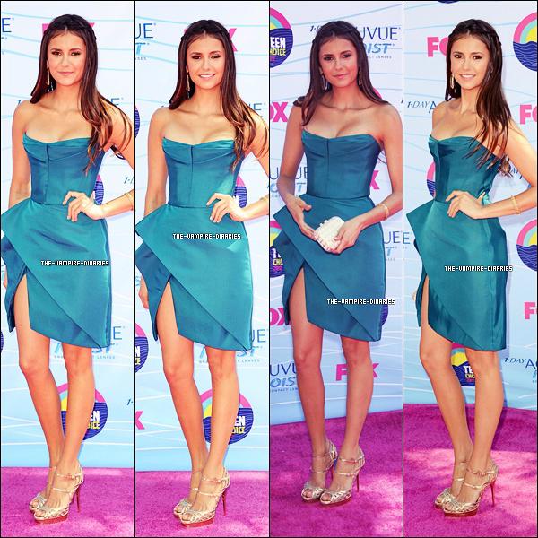22/07/2012 : Notre magnifique Nina ainsi que le Cast de The Vampire Diaries étaient présents lors des Teen Choice Awards 2012 !