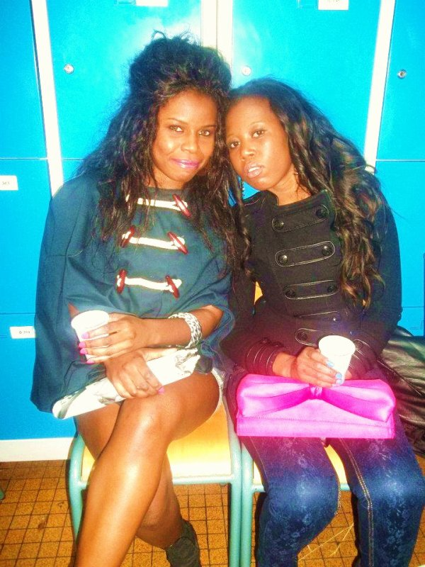 Ma Copine Sophia à droite et Moi à gauche!! ^^