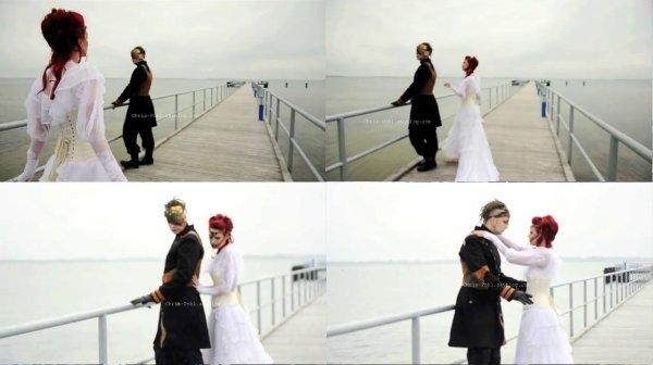 """Rappelez vous de cet article """" Obsolete Angels, Zeitlose Engel, Phantom des Meeres,Pirat """" ou sinon le prochain livre """"Angels obsolètes - Timeless Angel """" de Annie Berthram, et bien maintenant nous avons la vidéo du Photoshoot, qui est mis en scène tel une histoire d'amour, de trahison, et de mort ! Une bonne surprise pour moi, et pour nous tous !  Vous pouvez regardez la vidéo à la fin de cet article, ou sinon, si vous avez pas le temps pour le moment, je vous conseil alors de regarder mes captures d'écran que j'ai faites de la vidéo et dites-moi ce que vous en pensez !"""