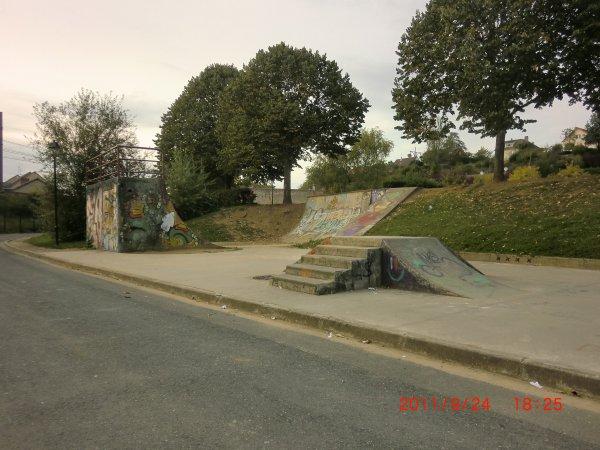 Le Skatepark D'Argenton Sur Creuse