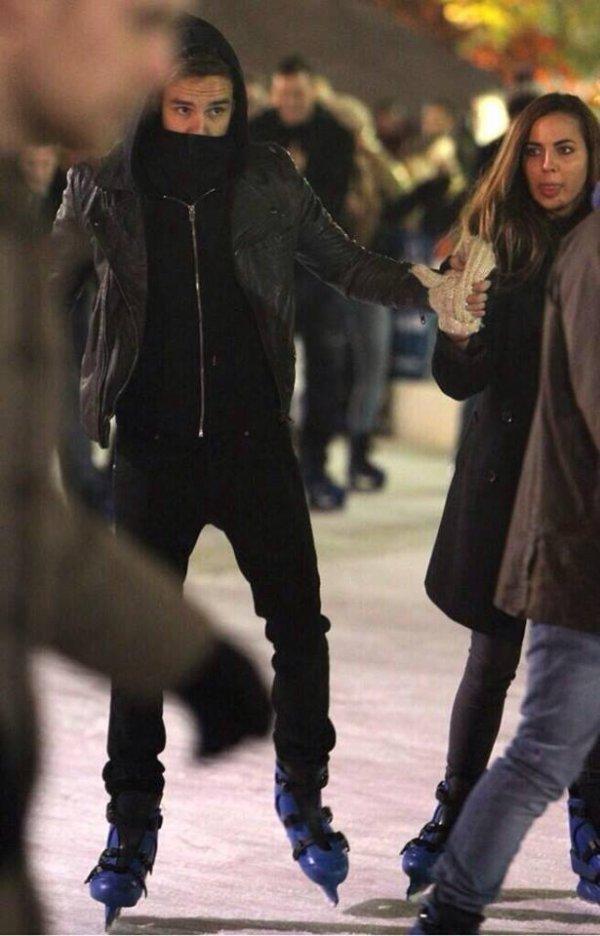 *Liam et Sophia à la patinoire !