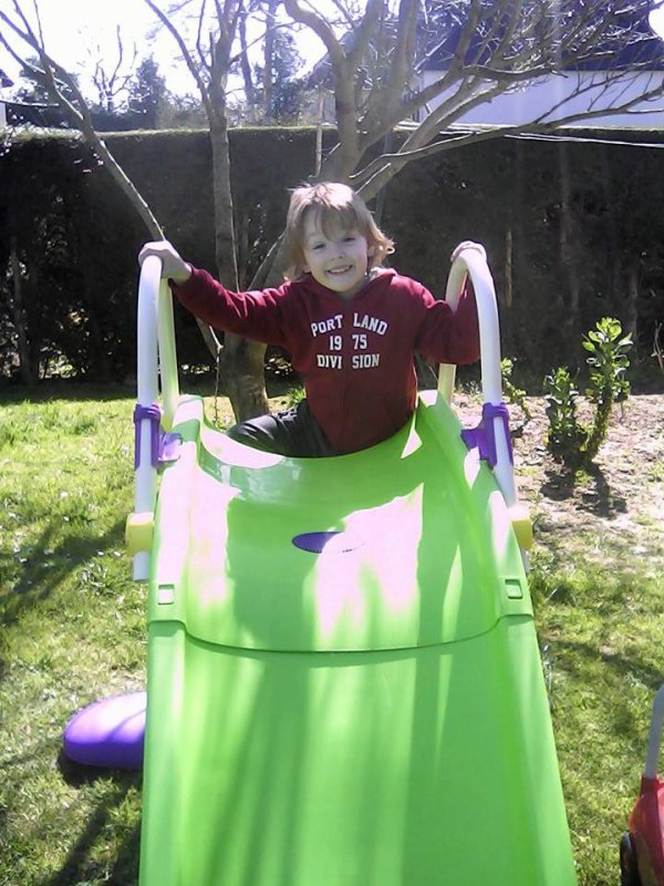 mon petit fils esteban  4 ans 2015