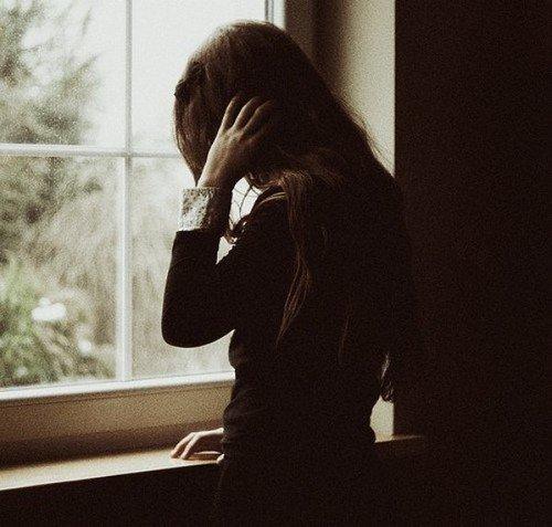 """""""Quand vous ne savez plus qu'un jour vous saviez rire, quand le mal a choisi votre âme pour empire, quand tous les romantiques et les tristes du monde ont choisi votre coeur pour se mettre à pleurer."""""""