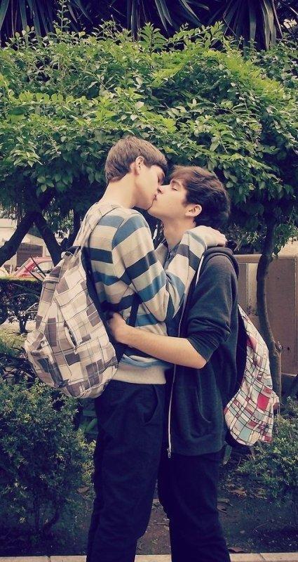 Homophobie : Amourphobie.