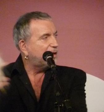 CR et video du show case à la FNAC Montparnasse le 20 nov 2010 que l'on vient si gentiment de m'envoyer