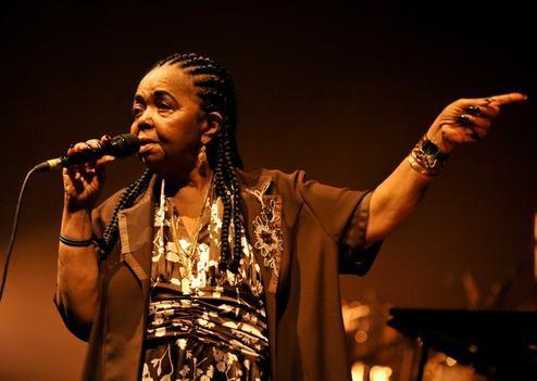 La chanteuse cap-verdienne Cesaria Evora est décédée à l'âge de 70 ans