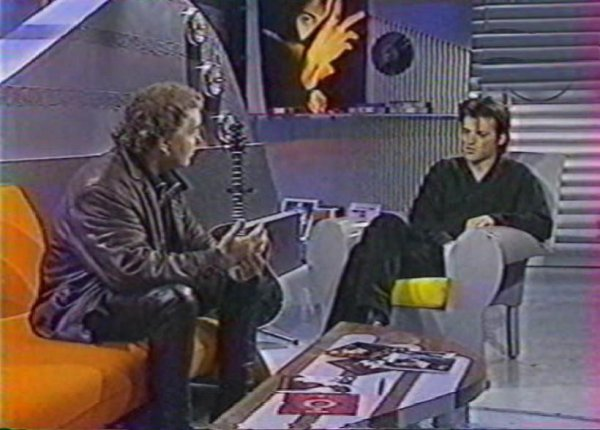 2 photos d'émissions tv avec Bernard Lavilliers