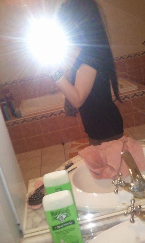 Moiii :)  ( Et mes cheveux jusqu au bas du dos :p <3 )