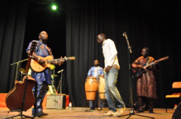 Lammard en duo avec vieux Farka Touré