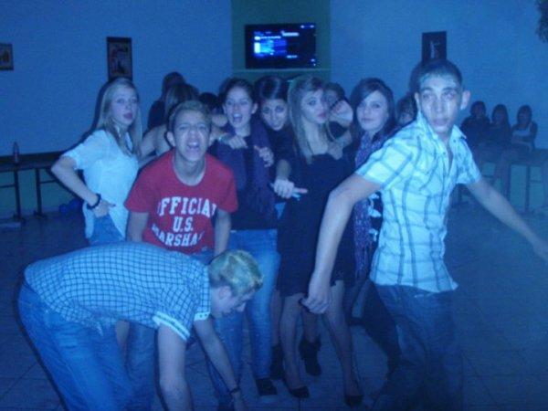 moi et ma petite equipe de soirées =)