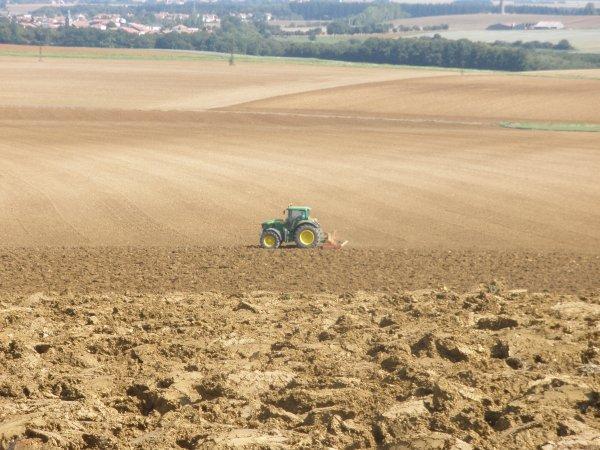 préparation des terres.
