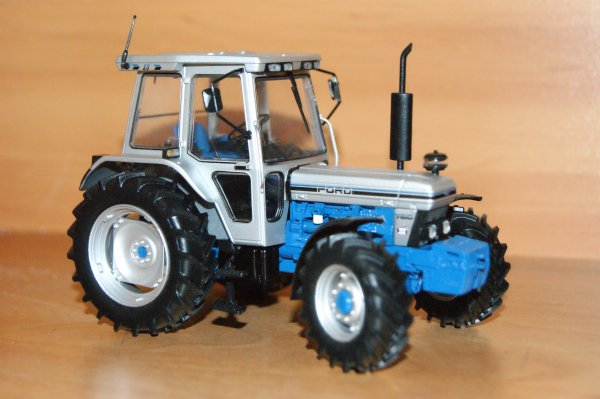 FORD 7810 Silver.