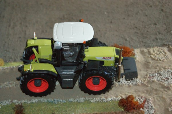 CLAAS XERION 3800.