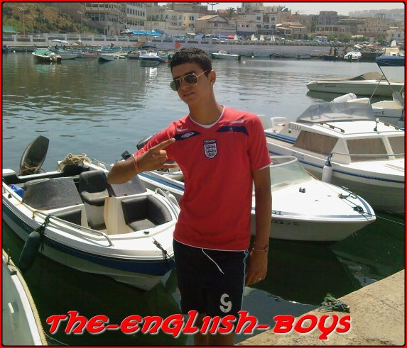 ------------------------------------------------------------------------  The-£nglish-Boys  ------------------------------------------------------------------------  TŝhiiTŝhii MƋffià  ;)  :o