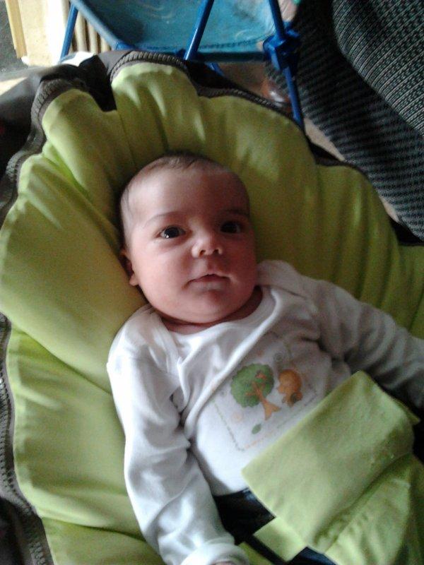 Gabriel a 1 mois