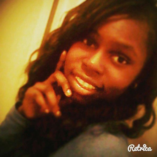 Moi #fièredetremoi! Quel âge vous me donnée sur cette photo ?❤