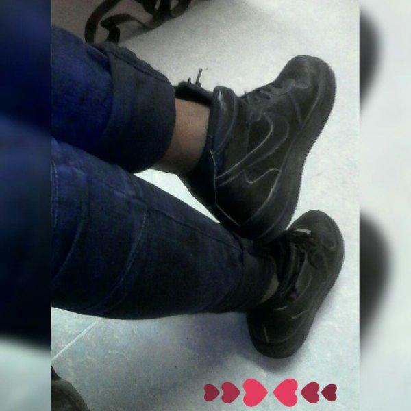 J'adore mes pieds lol ❤