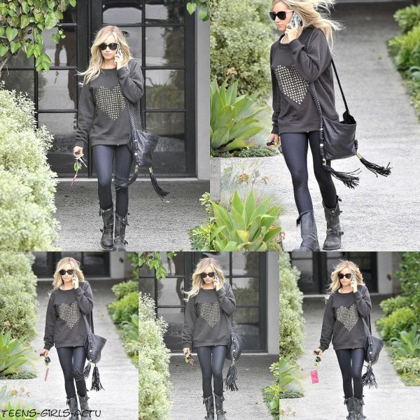 25/04 : Ashley a été aperçue quittant le salon Andy Lecompte dans West Hollywood