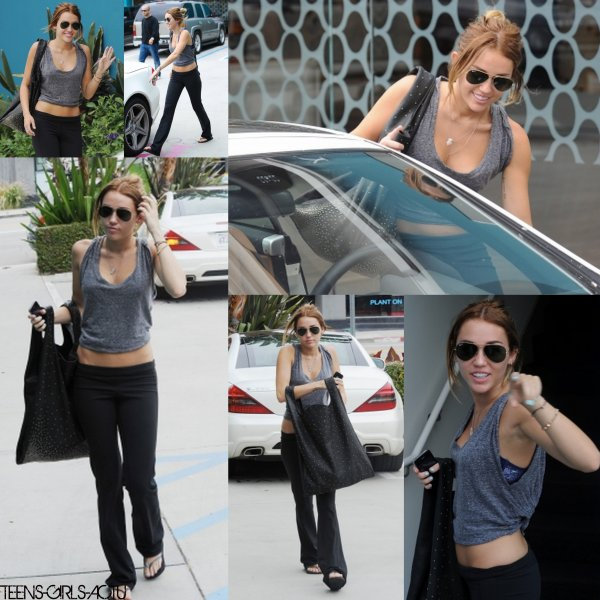 30/04 : Miley quitte son cours de Pilates. TOP BOF OU FLOP ?